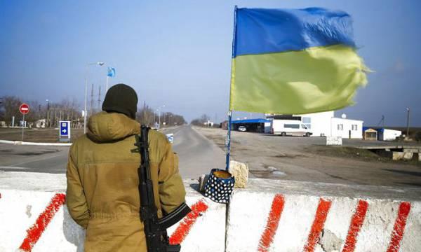 Жители Херсона овациями встретили отмену блокады Крыма