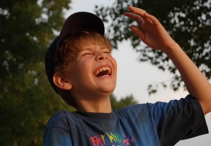 Мальчик стал звездой интернета, читатя стих про папу)) Мы хохотали)) Но какой артистизм в таком маленьком возрасте!