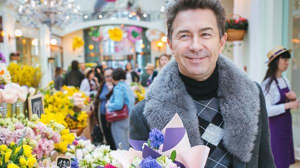 Какие цветы купят своим жена…