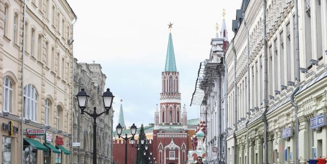 МЧС предупреждает москвичей о надвигающейся грозе
