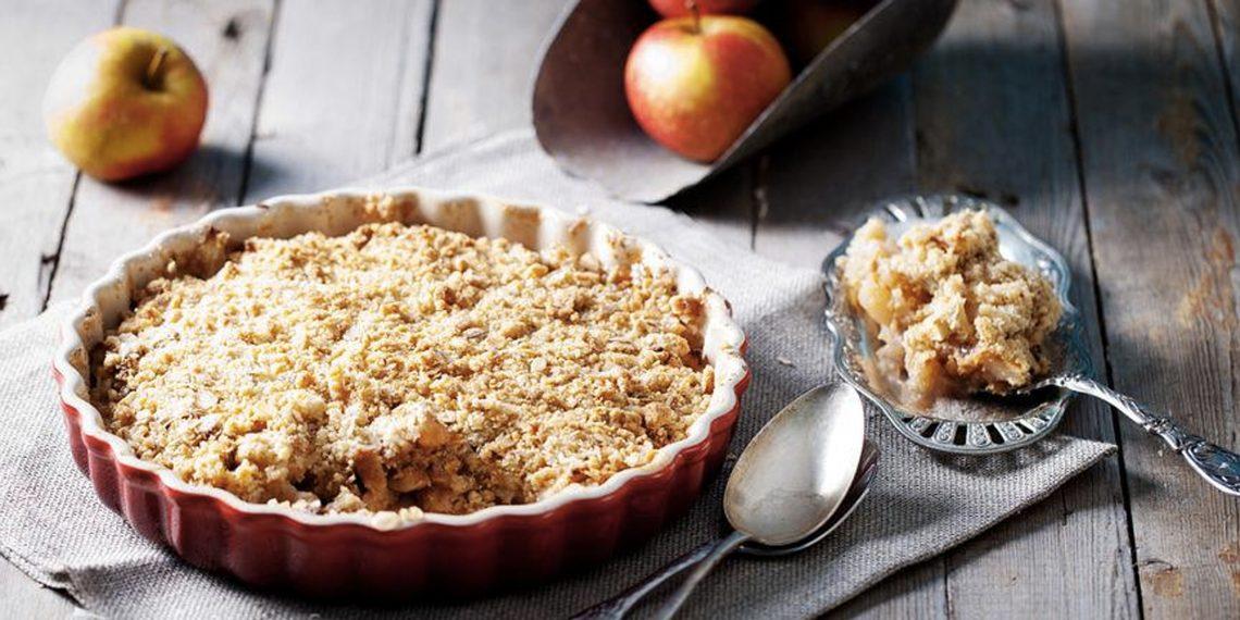 Рецепты с яблоками: Яблочный пирог с крошкой