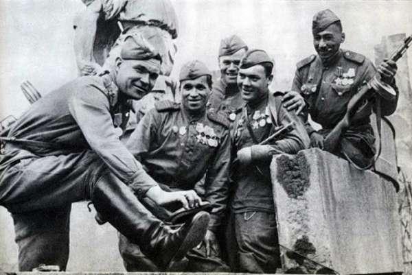 В чем был смысл новой формы для Красной армии в 1943 году