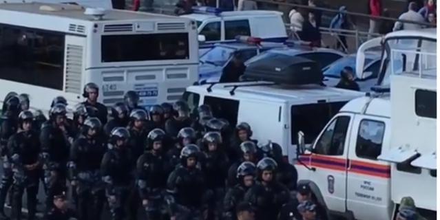 В Петербурге объединилось два митинга