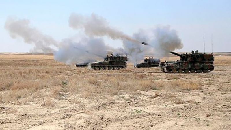 ВС Турции открыли огонь по п…