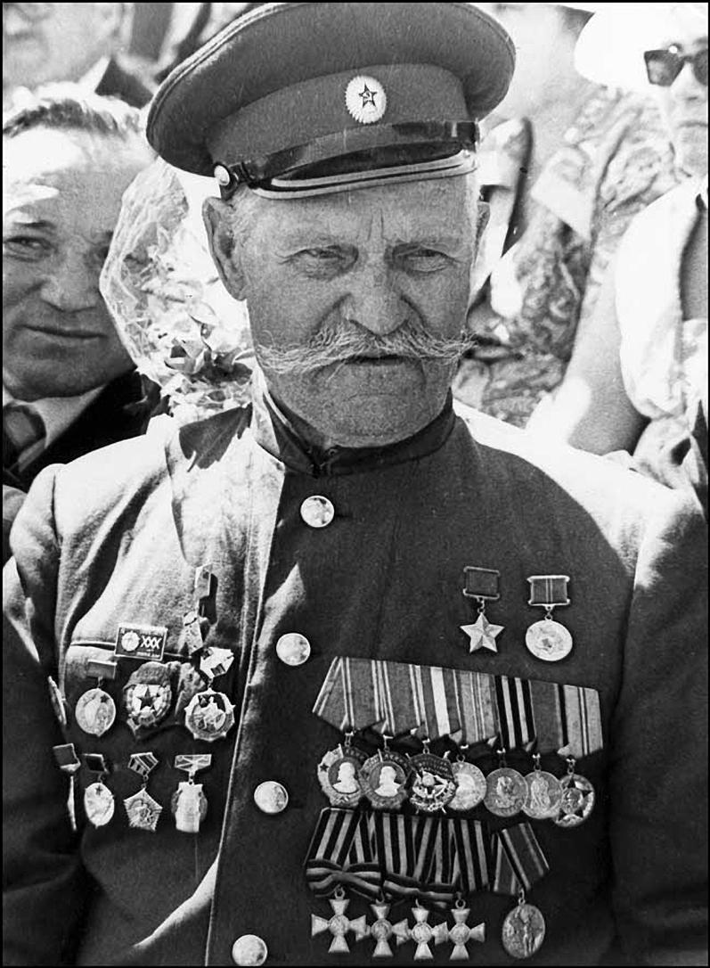 Герой Советского Союза полный Георгиевский кавалер Недорубов Константин Иосифович (1)