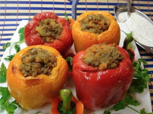 Продукты — партнёры.  Чечевица + болгарский перец (семя кунжута + зелень) = прочь усталость.
