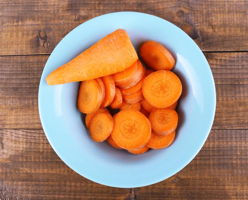 вкусный салат из моркови и яиц