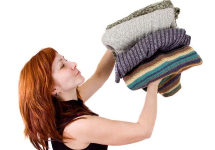 Избавляемся от запаха на одежде без хлопот. Проверенные способы, не требующие особых затрат