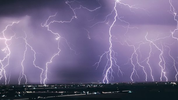 Как уберечься от удара молни…