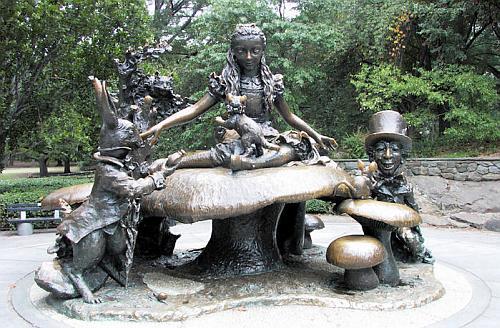 необычные памятники, Алиса в стране чудес