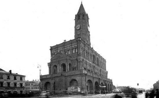 Где в Москве находилась «башня колдуна»?