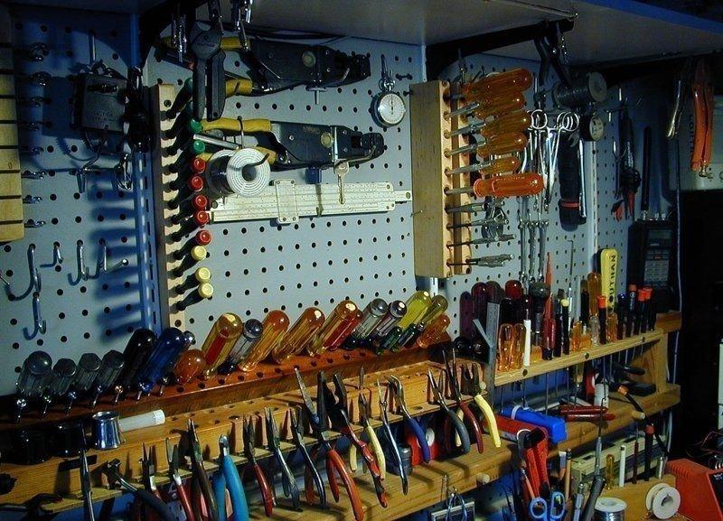 5. Высокохудожественное размещение инструментов гараж, идеальный, инструменты, мастерская, перфекционизм, порядок