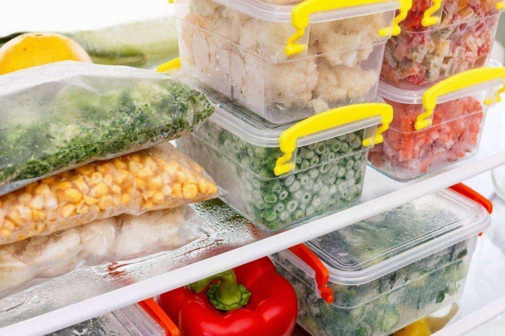 Какие продукты можно хранить в морозилке без потери вкусовых качеств