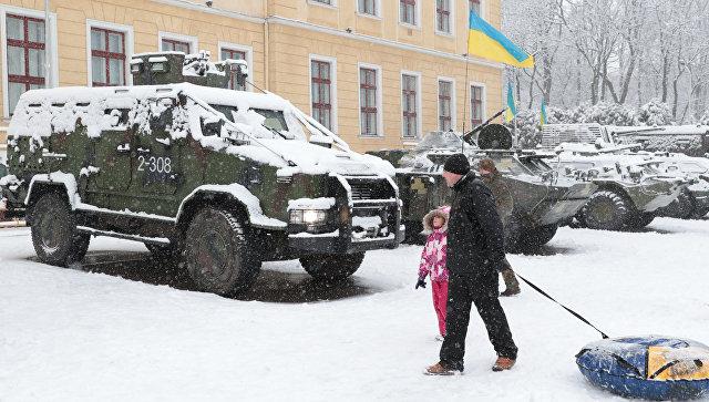 Украина готовится к войне, заявили в МИД России
