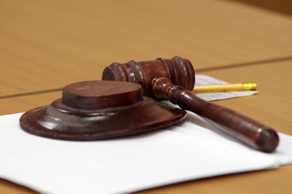 Украинский суд вновь отложил…