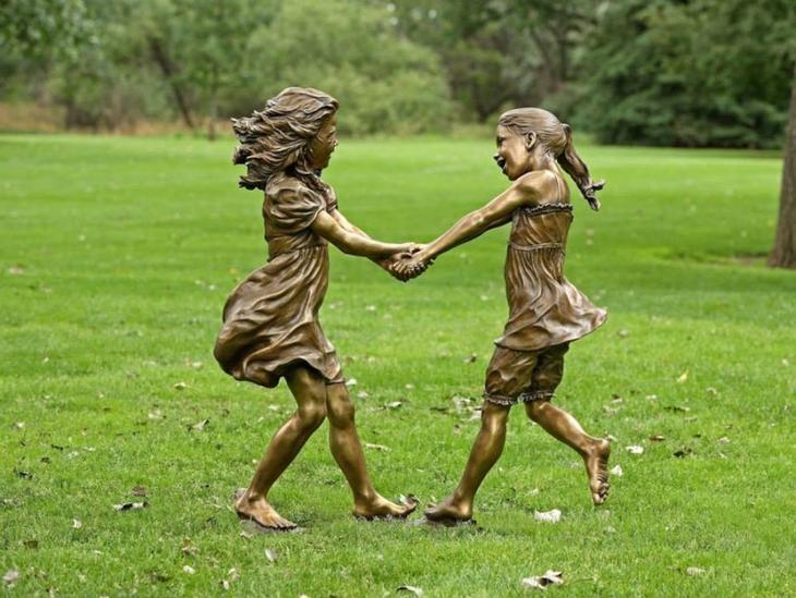 Почти живые: невероятно реалистичные скульптуры о счастливом детстве