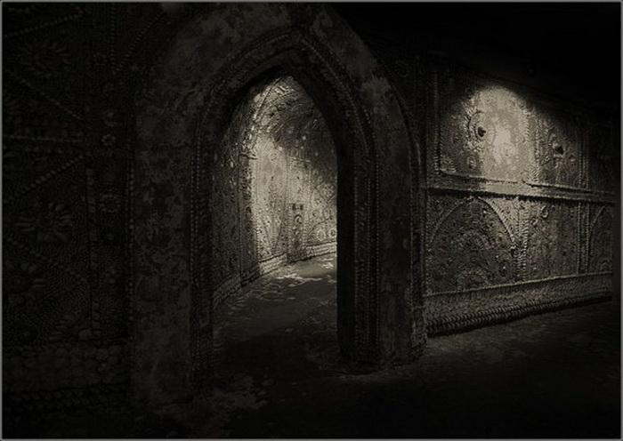 Грот ракушек (Shell Grotto) в городе Маргит