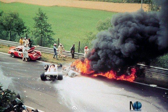 Авария Ники Лауда на Гран-при Германии в Нюрбургринге. Получив ожоги и отравление газами гонщик впал в кому, 01 августа 1976 г. история, люди, мир, фото