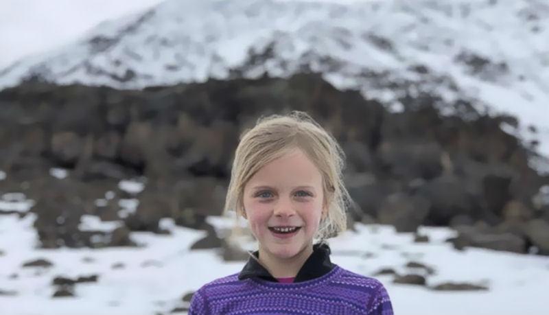 7-летняя девочка стала самой молодой покорительницей Килиманджаро в честь покойного отца