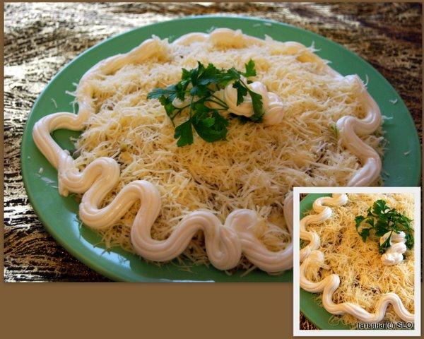 Салат из печени трески с творожной заправкой. Фото-рецепт.