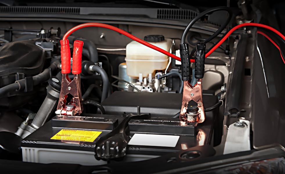 Каких ошибок нужно избегать при зарядке автомобильного аккумулятора