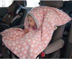 Детское одеяло с капюшоном. Выкройка на возраст от 3 месяцев до 14 лет