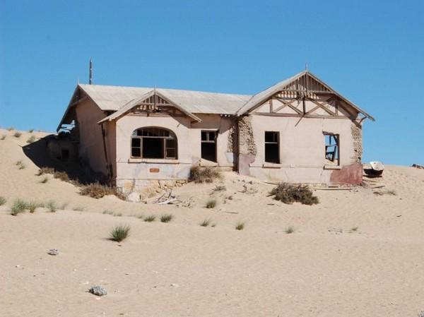 Шахтерский город в Намибии Колманскоп