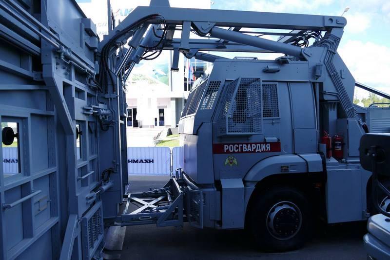 """Калашников: Росгвардия заказала 10 мобильных комплексов """"Стена"""""""