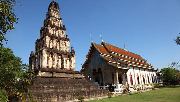Храм Ват Пра Тхат Харипунчай…