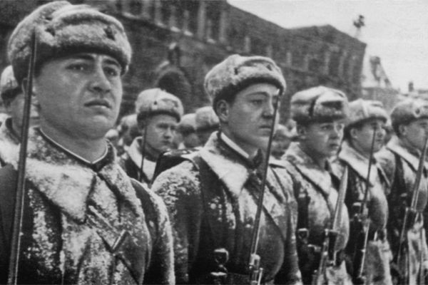 Парад живых парад, 7 ноября, 1941, Великая Отечественная Война, сталин, Буденный, армия