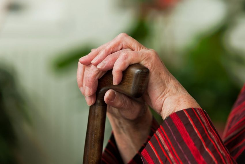 Так что насчет путевок для пенсионеров и ветеранов? Сложно получить?