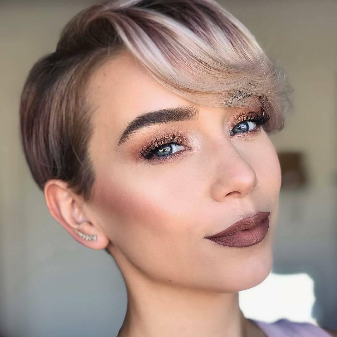 Все модные тенденции окрашивания волос – фото модных причесок наглядно покажут ожидающие нас тренды.