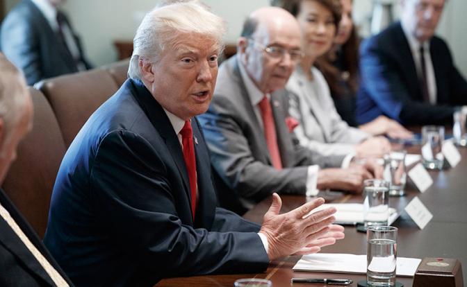 Трамп толкает Пекин в объятия Москвы. США намерены объявить и Китаю санкционную войну