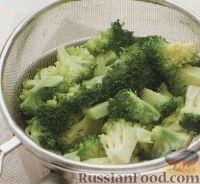 Фото приготовления рецепта: Макароны с помидорами и брокколи - шаг №1