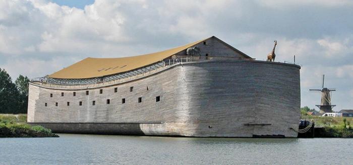 Голландец построил копию Ноева ковчега
