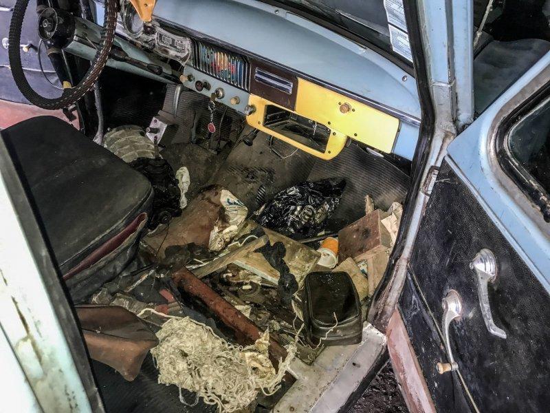 Пассажирское сиденье отсутствует — это упрощает доступ к грузовому отсеку Москвич-430, авто, азлк, москвич, находка, олдтаймер, ретро авто, фургон