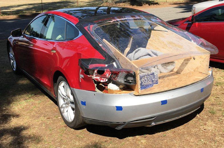 Ремонт Tesla Model S от мастера 80 уровня