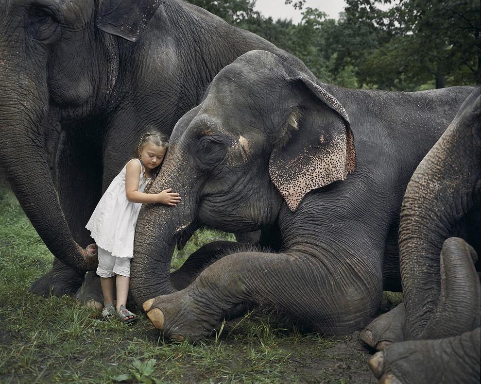 kidsanimals01 10 самых трогательных историй общения детей и животных