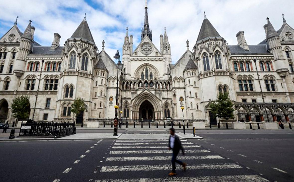 Суд Лондона обязал Украину вернуть России долг в 3 млрд долларов