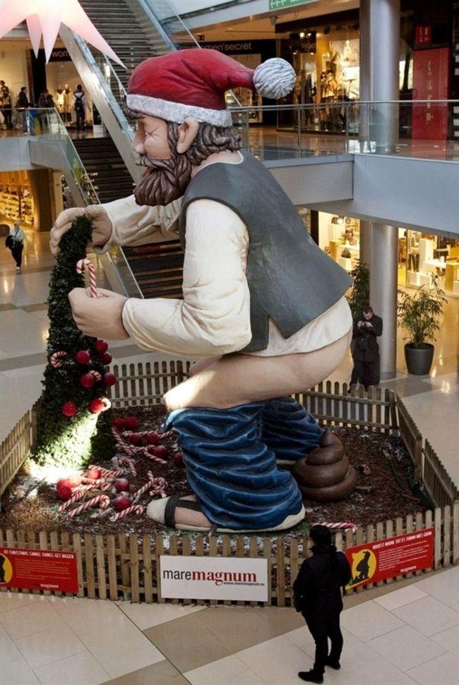 weirdstatues03 29 самых отвратительных и нелепых статуй со всего света