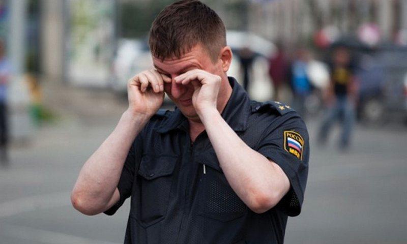 Полицейский остался без квар…