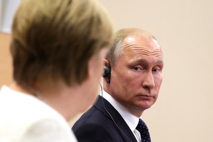 Песков расширил круг вопросов для Путина и Меркель. У Кремля планы?