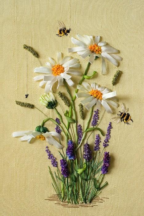 Цветочные миниатюры вышитые лентами — очаровательные работы Марины Жердевой
