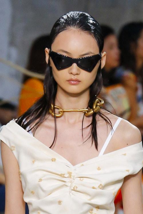 Солнечные очки в треугольной оправе Marni SS 2019