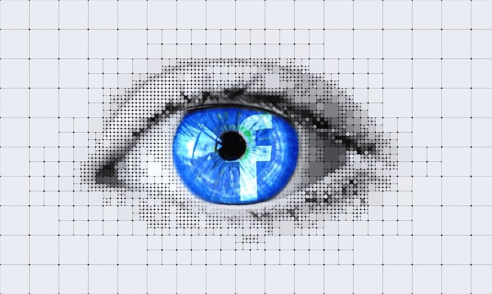 Facebook выслуживается перед спецслужбами, устраивая политическую цензуру