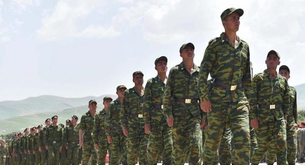 Награнице сАфганистаном проходят российско-таджикские военные учения