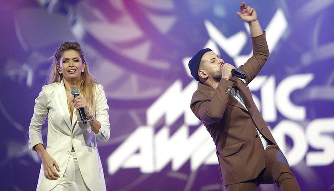 Они соединили 2 супер-хита в один! «Любовь спасет мир»+ «Кружит» — Вера Брежнева и Монатик! Круто получилось!