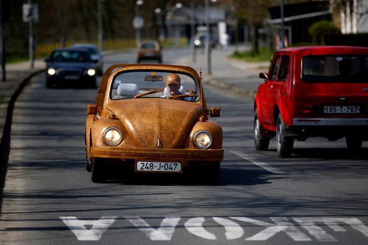Volkswagen жук 1972 года из дерева (4)