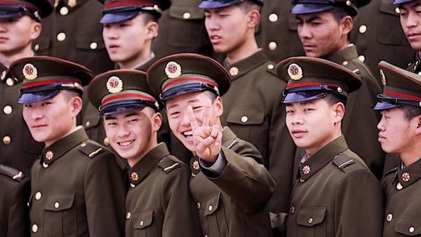 """Китайские СМИ высмеяли тактику российских военных на учениях """"Восток-2018"""""""