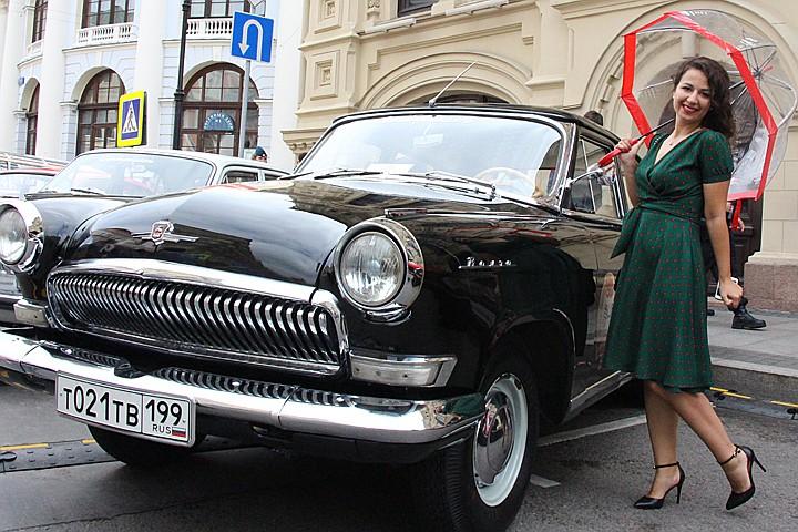 """ГУМ-Авторалли на Красной площади: как я ехала в раритетной киевской """"Волге"""""""